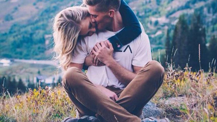 Tình yêu là có thật phải không anh?