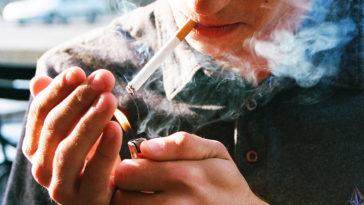 Những người hút thuốc lá chỉ đơn thuần là vì một chút hư ảo...