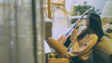 Những người làm bạn với cô đơn là những người yếu đuối?