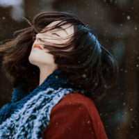 Tiếc thay thân phận phụ nữ... hạnh phúc thì ít mà đau thương thì nhiều