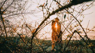 Cuộc đời này chính là, yêu nhau đến mấy vẫn không thể ở bên nhau