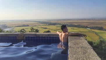 Mê mẩn bể bơi vô cực nằm giữa cánh đồng lúa ở Châu Đốc