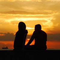 10 cách giữ lửa cho tình yêu phương xa