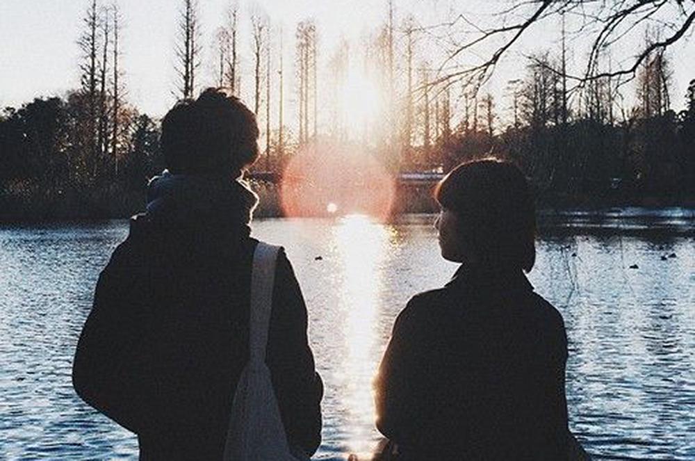 Nếu đã yêu nhau thì đừng làm nhau buồn, để nhau phải đợi chờ