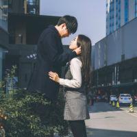 Yêu đơn phương... tiếp tục làm bạn hay tránh mặt nhau cả đời?