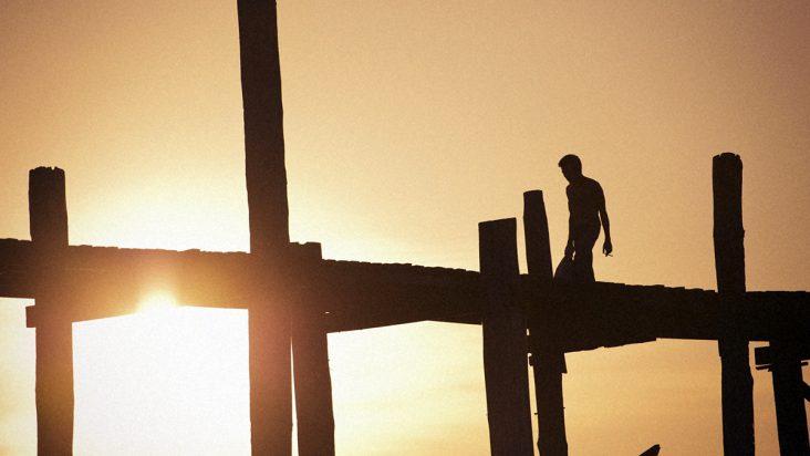 Bạn đã bao giờ tự hỏi cuộc đời này có đáng sống hay không?